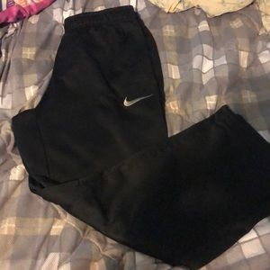 Nike Therma-Fit pants size Large black